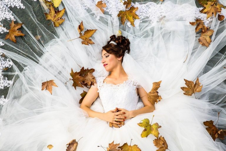 Read more about the article Comment trouver un bon photographe de mariage à Toulon ?
